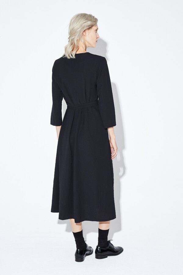 RELAXED FIT V-NECK DRESS BLACK