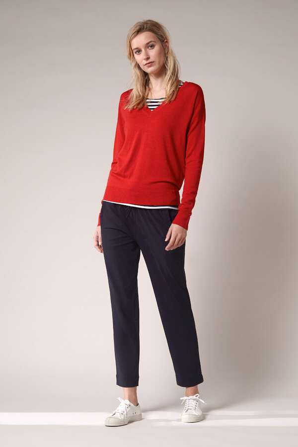 SOFT MERINO V-NECK KNIT RADICAL RED