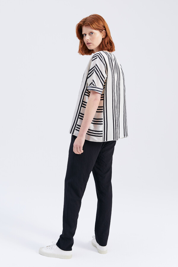 SILKY STRIPE EVA TOP BLACK
